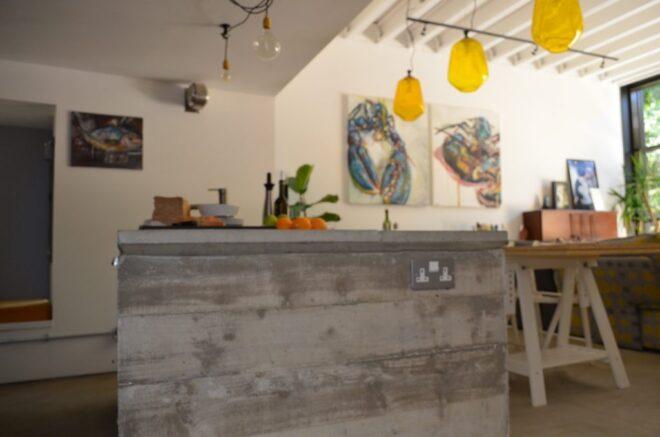 06-Island-and-living-room-1024x678